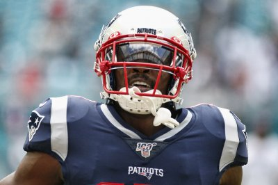 New England Patriots WR Antonio Brown dropped as Nike athlete