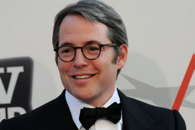 Matthew Broderick plays Mike Pompeo on 'SNL'