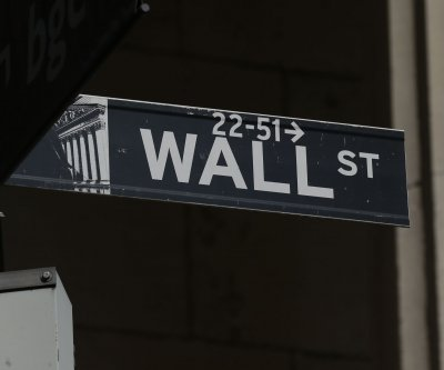 Dow Jones falls 410 points as COVID-19 stimulus deadline nears