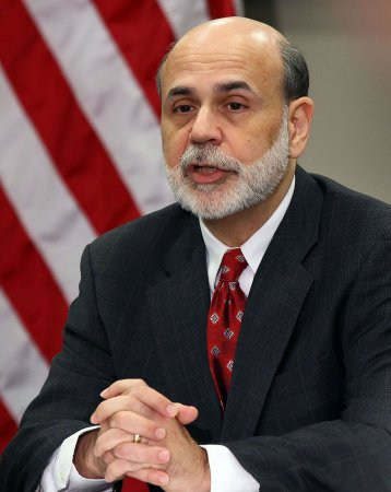 Bernanke calls for action on deficit