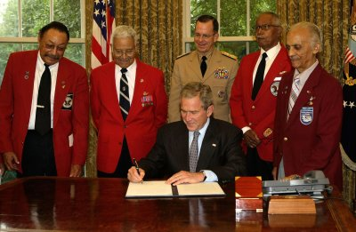 Teen flying to honor Tuskegee Airmen