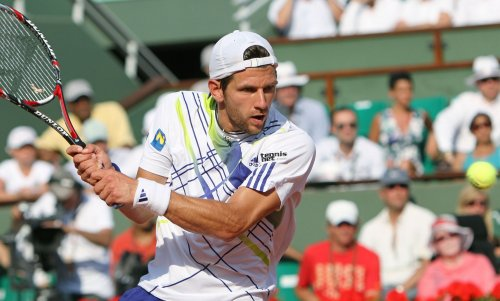 Austria puts Russia on Davis Cup edge