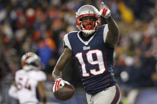 Pats aim for 15th straight at home, entertain Lions