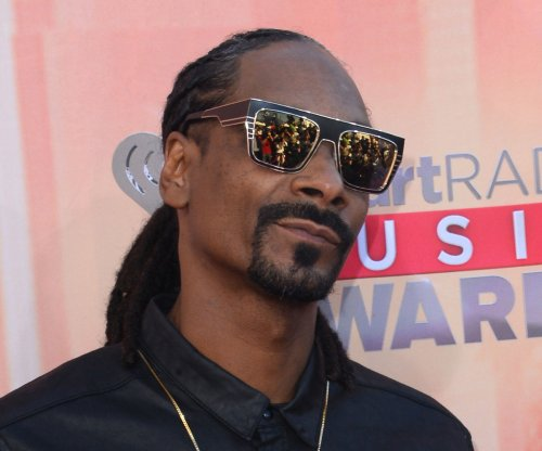 Snoop Dogg arrested in Sweden, accuses police of racial profiling