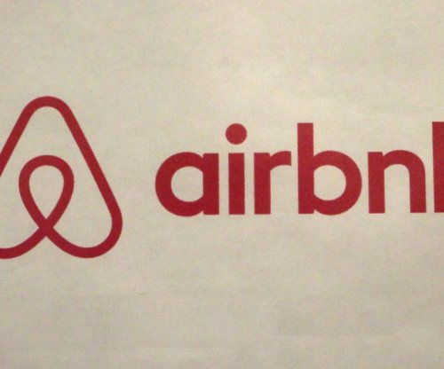 Airbnb hires former Clinton White House aide Chris Lehane