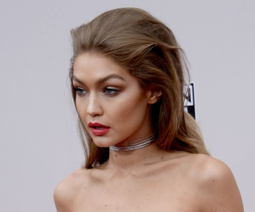 Gigi Hadid, Jenny McCarthy, Keke Palmer, Noah Cyrus light up the American Music Awards red carpet