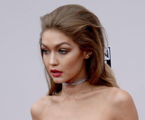 Gigi Hadid, Jenny McCarthy, Keke Palmer, Noah Cyrus light up the American Music Awards red carpet