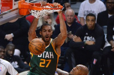 Surprising Jazz open playoffs against Thunder