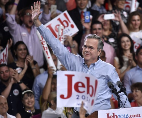 Jeb Bush tells reporter 'no question' he is more experienced than Marco Rubio