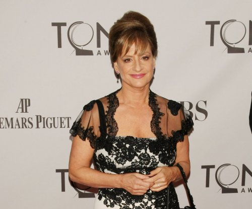 Patti LuPone snatches cell phone during show