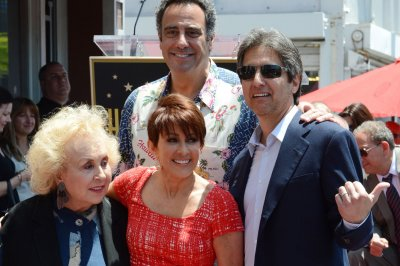 Ray Romano, Patricia Heaton pay tribute to the late Doris Roberts