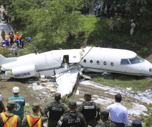 6 aboard Texas jet cut in half in Honduras crash