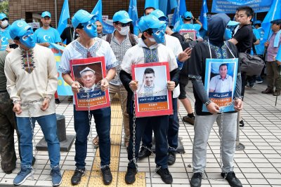 Japan's Shinzo Abe raises Hong Kong freedom issue