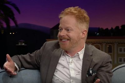 Jesse Tyler Ferguson, Justin Mikita expecting first child