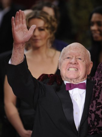 Rooney to be honored at Thalians ball