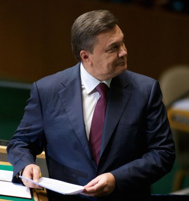 Ousted Viktor Yanukovych rips new Ukrainian government, vows return