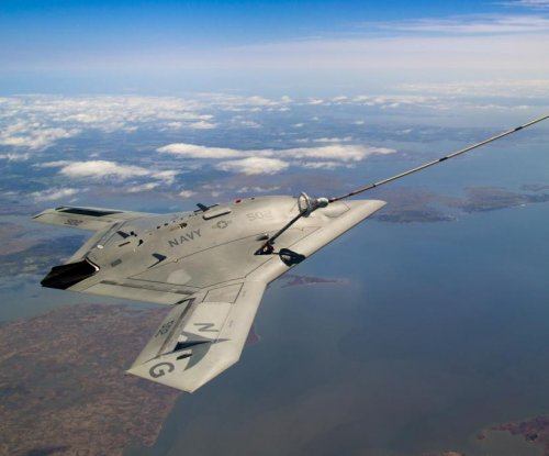 X-47B unmanned aerial system demos in-flight refueling