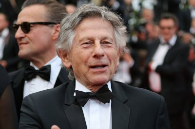 Prosecutors drop push to extradite filmmaker Roman Polanski