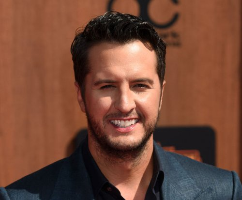 Luke Bryan announces 2016 Farm Tour, new EP