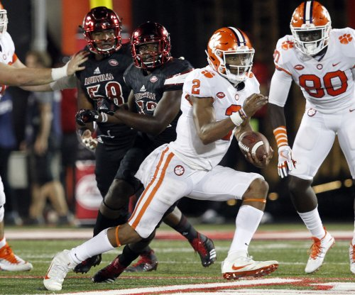 Dabo Swinney, Clemson Tigers being cautious with QB Kelly Bryant after concussion