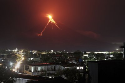 Thousands evacuated in Philippines as volcano threatens eruption