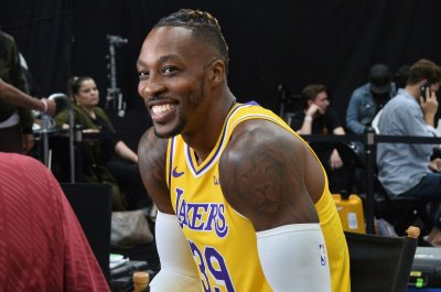 Lakers star Dwight Howard wants to play in NBA restart
