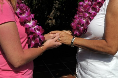 Mass. Senate votes to repeal marriage ban