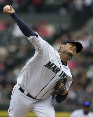 Seattle's Hernandez wins Cy Young Award