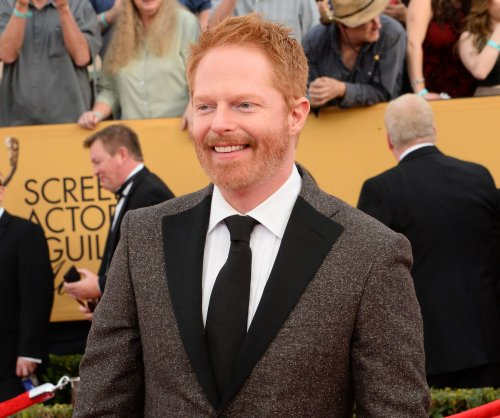 Jesse Tyler Ferguson blew out his voice playing animated llama in 'Ice Age: Collision Course'