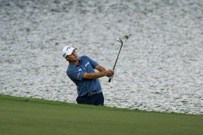 PGA Championship: Kevin Kisner clinging to one-stroke lead
