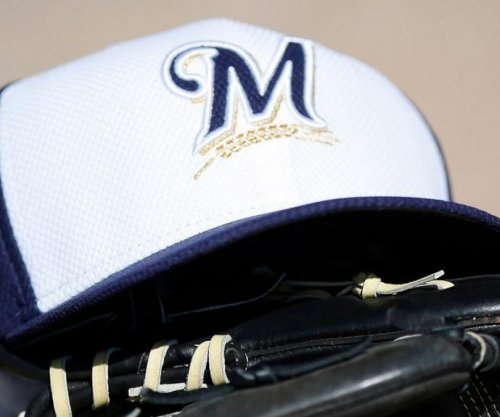Milwaukee Brewers minor leaguer Julio Mendez hit by pitch that leads to heart attack