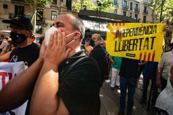 Spanish PM's cabinet approves pardons for 9 Catalan separatists
