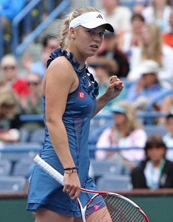 Wozniacki sharp in Stuttgart win