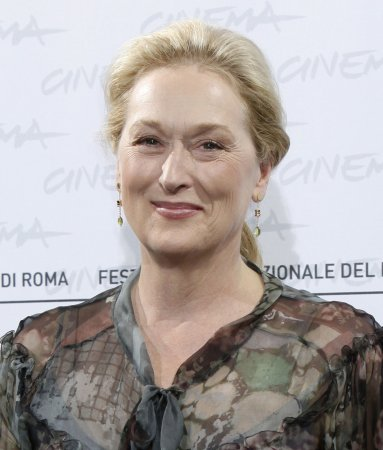 Streep wins Globe for 'Julia' portrayal