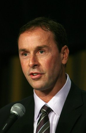 Hockey Hall of Fame names 2011 class