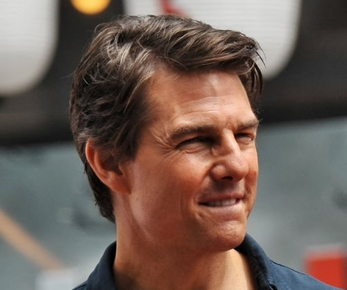 Tom Cruise reunites with ex Penelope Cruz, Salma Hayek
