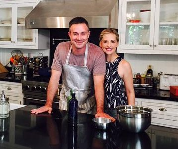 Sarah Michelle Gellar announces Freddie Prinze Jr.'s first cookbook