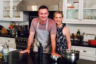Sarah Michelle Gellar announces Freddie Prinze Jr.'s first cookbook