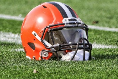 Browns T Stephenson suspended two games