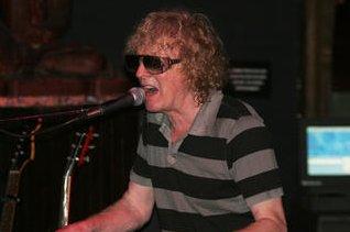 Mott The Hoople cancel fall tour, Ian Hunter diagnosed with tinnitus