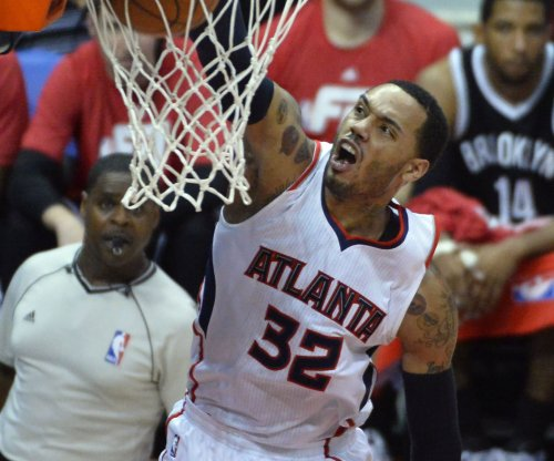 Atlanta Hawks hold off Philadelphia 76ers for 19th straight win