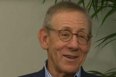 Miami Dolphins owner Stephen Ross names successor