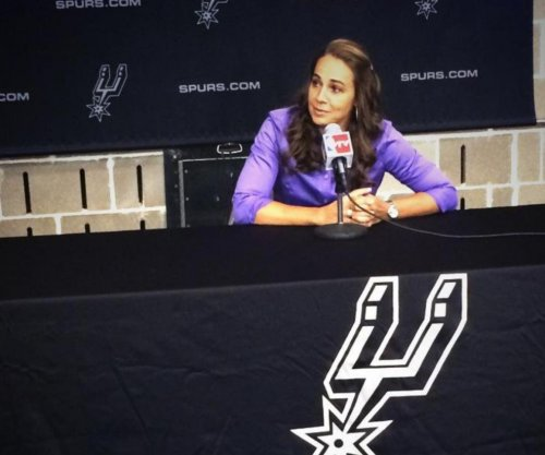 Becky Hammon: Female assistant coaches San Antonio Spurs in exhibition