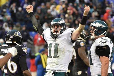 Carson Wentz throws two touchdowns as Philadelphia Eagles beat San Francisco 49ers