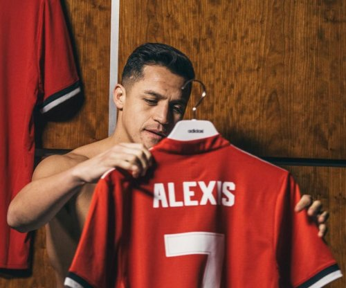 Manchester United officially announces Alexis Sanchez signing
