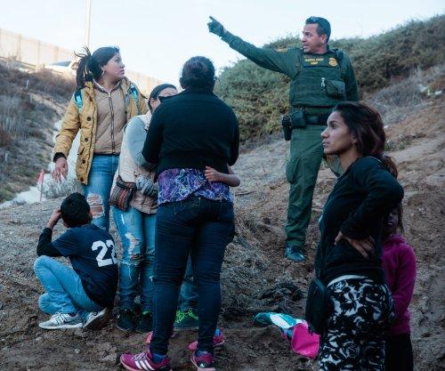 Appeals court rules against Trump's asylum ban