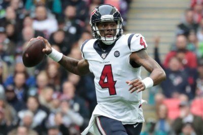 Deshaun Watson officially requests trade from Texans