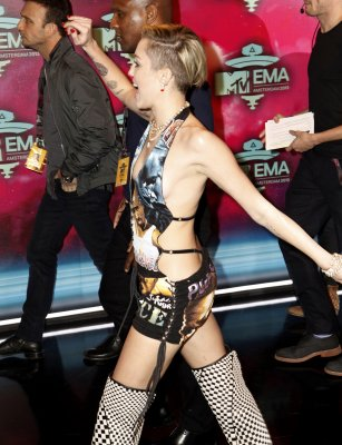 Miley Cyrus takes over MTV for 21st birthday