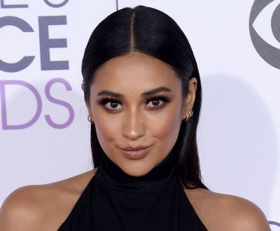 Shay Mitchell: 'I'm never going to label' my sexuality