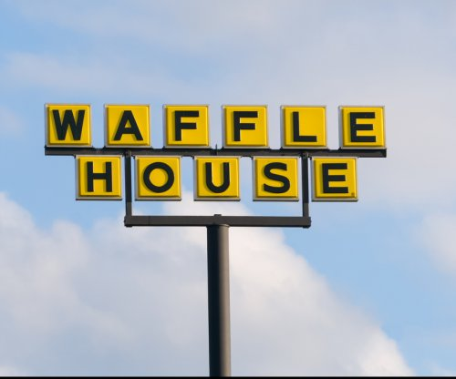Watch: Dwyane Wade, Chicago Bulls rent out a Waffle House